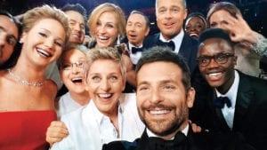 Bradley Cooper & Stars Selfie on Twitter